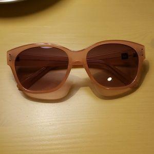 Gap cream color sunglasses